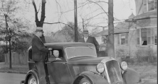 1933 Sam With Bodyguards in Decatur